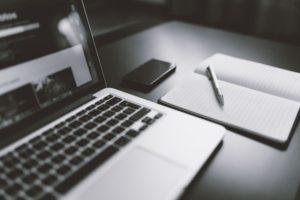 negative-space-minimal-macbook-Custom-1-768x512.jpg